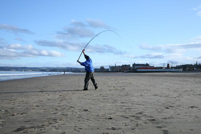 casting the Daiwa Theory Beach rod