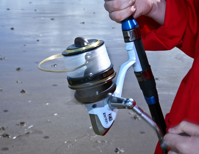 Grauvell Zenith Z5000 fixed spool reel in use