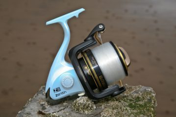 Grauvell Zenith Z5000 fixed spool reel right side view