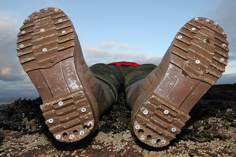 waders fitted with studs in soles