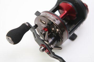 Daiwa 7HT MAG ST Reel handle and drag