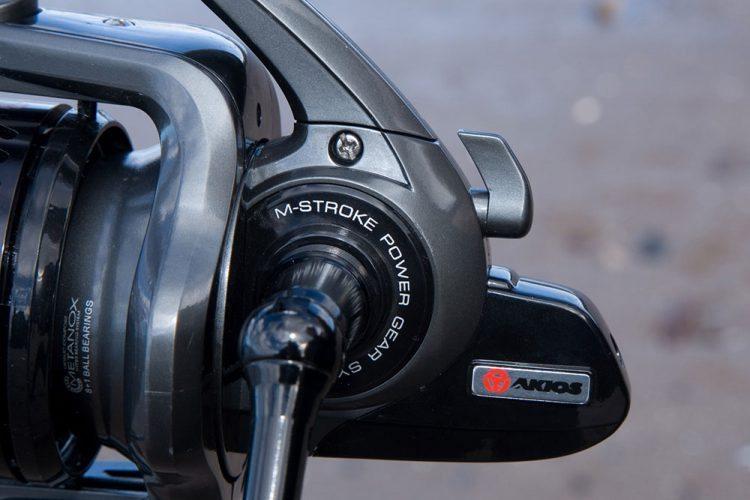 Akios Scora 80 Fixed Spool Reel anti-reverse