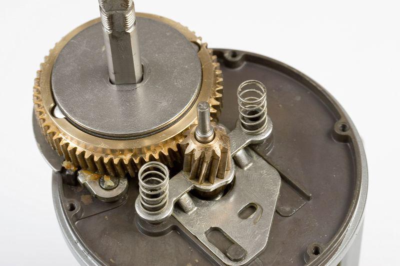 Daiwa Saltist level-wind reel main gears