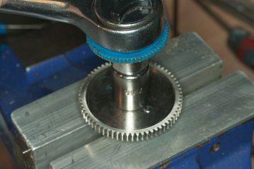 Shimano Tyrnos 10 Strip Down Maintenance main gear