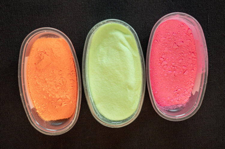 silicone fishing attractors - coloured powder coating