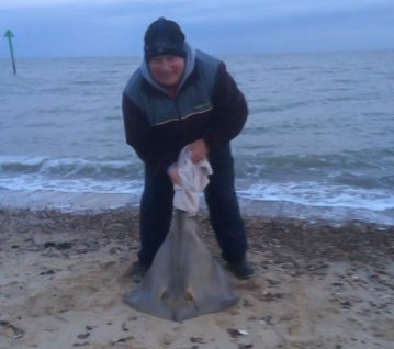 Mark Sessions, with his massive 47lb stingray
