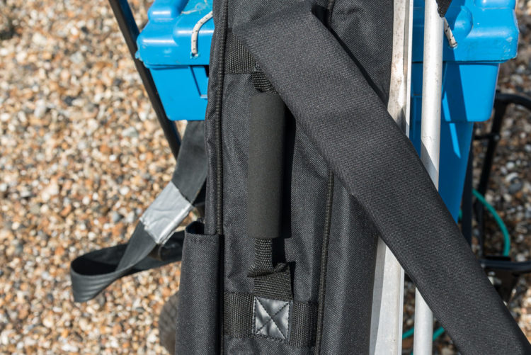 double compartment quiver strap and handle