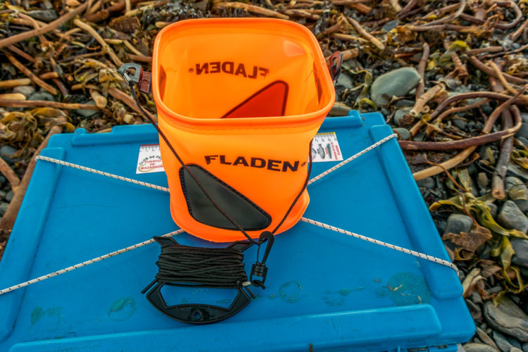 Fladen collapsible bucket and cord